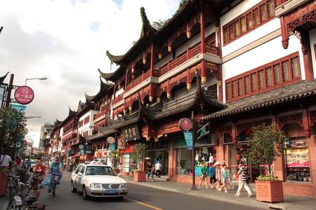 shopping trip: Shanghai Old Town, China - August 9, 2010