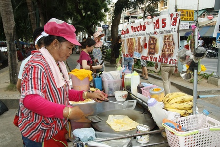 Street food vendor in Pattaya, Thailand - 3.08.2011 Stock Photo - 11520956