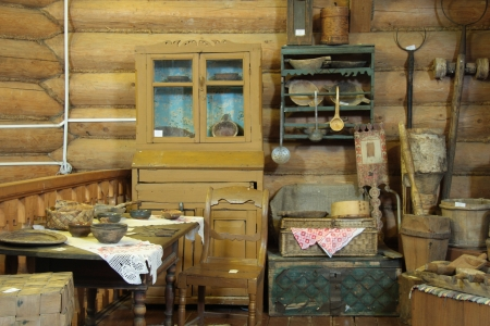 antique dishes: Interior of an old Russian wooden house