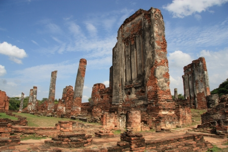 remnants: Ancient ruins and archeological remnants of Ayutthaya, Thailand Stock Photo