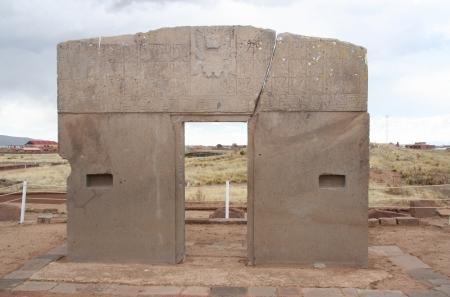south american: The Gate of the Sun in Tiwanaku, Kalasasaya temple, Pre-Columbian civilization, Bolivia