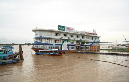 can tho: Floating restaurant on Mekong River, Can Tho, Vietnam - 31.07.2014 Editorial
