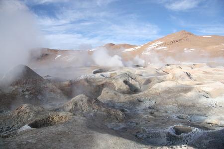wasserstoff: Geysir Sol de Manana in Eduardo Nationalpark Avaroa Altiplano von Bolivien, Anden