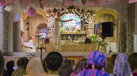 RUSSIA, MOSCOW, 8 MAY 2017 - Performing rite at the ceremony in Hare Krishna Temple, Moscow, Russia Redakční