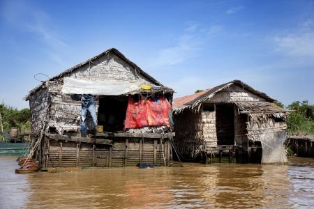 dweling: Chong Kneas floating village in Siem Reap