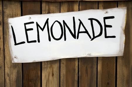 limonada: Limonada sesi�n en un soporte de madera