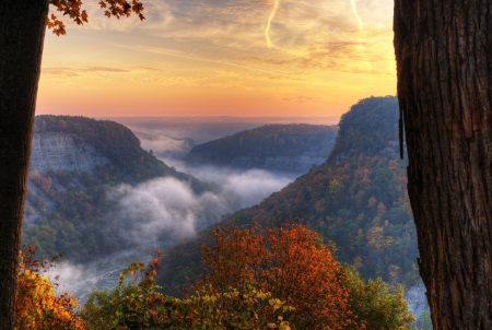sunshine state: Sunrise At Great Bend Overlook In Letchworth State Park, NY