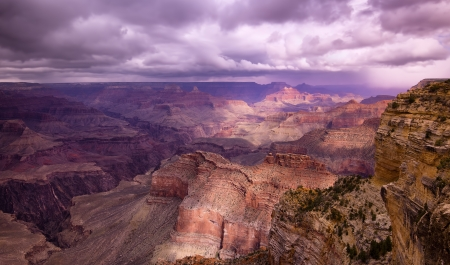 hopi: Il Grand Canyon visto da Hopi Point appena prima di una tempesta di neve
