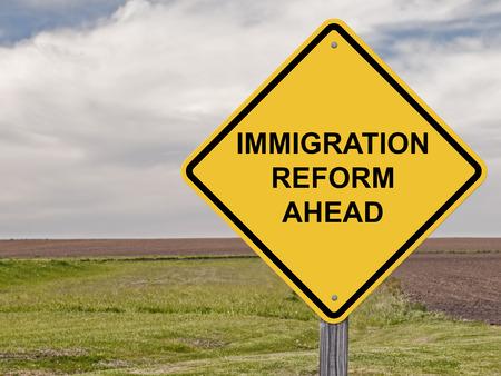 achtung schild: Vorsicht-Zeichen - Immigration Reform Ahead