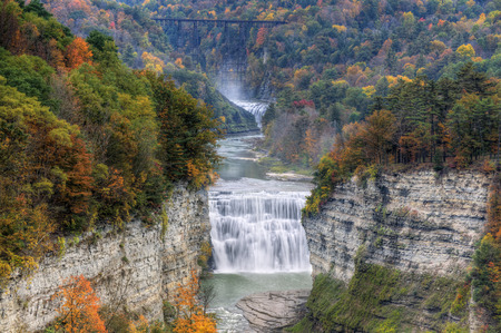 state park: The Middle Falls At Letchworth State Park In New York Stock Photo