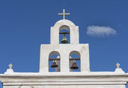 mision: Torre de la Campana en la Misión San Xavier en Tucson Arizona