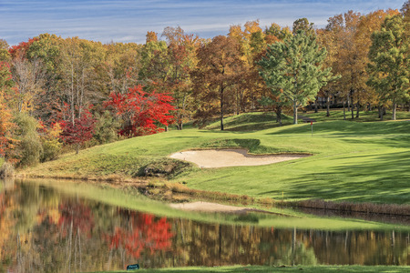 autumn colors: Hole #4 At Druid Hills Golf Course In Fairfield Glade Tennessee Stock Photo