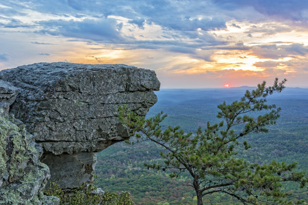 sunshine state: Sunset At Cheaha Overlook In The Cheaha Mountain State Park In Alabama