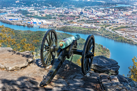 Cannon Overlooking Moccasin Bend And The City Of Chattanooga Tennessee From The Point Park Civil War Museum Stock Photo