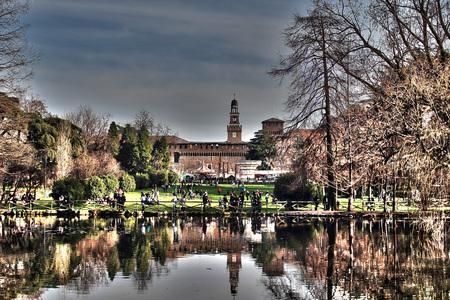 Glimpse Sempione Park in Milan Imagens