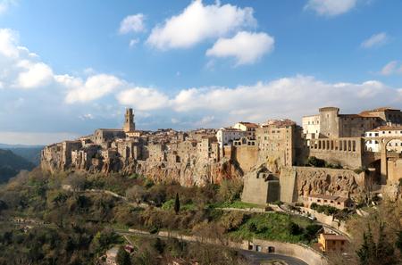 Country of Maremma Pitigliano, the spa Saturnia Editorial