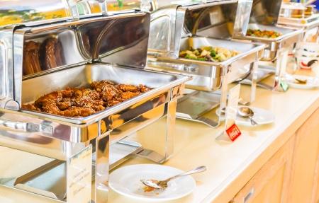 加熱トレー サービスの準備ができて多くビュッフェ式朝食します。 写真素材