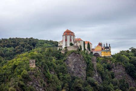 The castle Vranov nad Dyji in the Czech Republic, Vranov dam, Dyje 免版税图像 - 155825026
