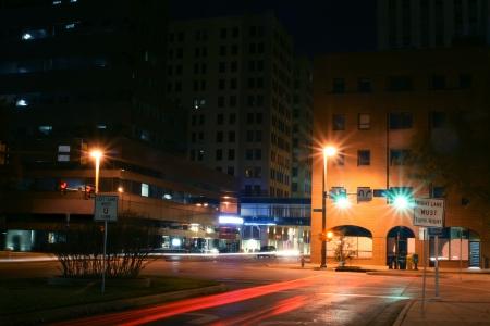 Time Exposition der Hauptstraße im Zentrum von Oklahoma City  Standard-Bild - 2175667