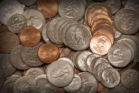 American Münzen Pennies, Nickels, Dimes und Quartiere.  Standard-Bild - 2175684