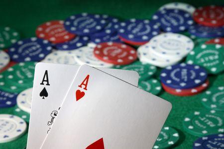 Pocket Asse der beste Ausgangspunkt Hand in Texas Holdem möglich ...  Standard-Bild - 2205206
