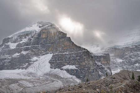 Lefroy Mountain peak at Plain of Six Glaciers above Lake Louise in Banff National Park, Alberta, Canada Banco de Imagens