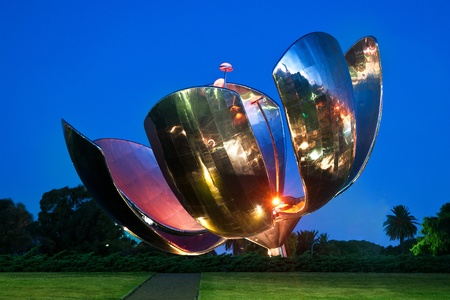The large metal flower, floralis generica, of Buenos Aires, Argentina  Stock Photo