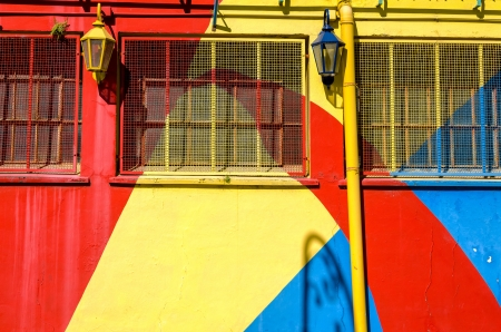 la boca: Brightly colored wall in la Boca neighborhood in Buenos Aires, Argentina