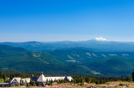 View of Mount Jefferson with Timberline Lodge and thick pine tree forests in Oregon Stock Photo - 22666882