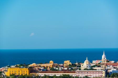 カルタヘナ、コロンビア、カリブ海、バック グラウンドで目に見えるとの歴史的な中心のビュー
