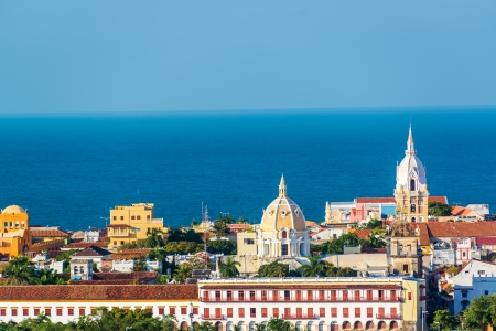 Historische centrum van Cartagena met een aantal belangrijke kerken zichtbaar Stockfoto