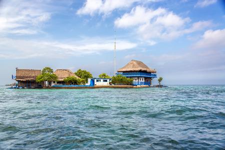 islas: House in the Rosario Islands near Cartagena, Colombia Stock Photo
