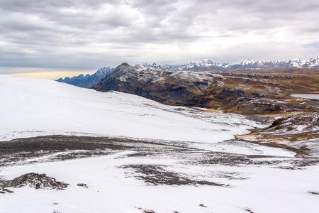 View of the Cordillera Real of the Andes Mountains near La Paz, Bolivia Banco de Imagens