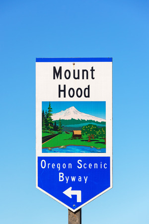 mount hood: Street sign for the Mount Hood Oregon Scenic Byway