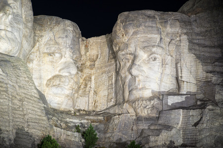 lincoln memorial: Mount Rushmore at night with Jefferson, Roosevelt, and Lincoln visible