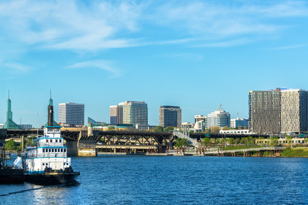 willamette: Beautiful waterfront view of Portland, Oregon and the Willamette River