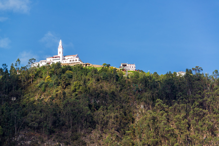 View of Monserrate church high up in the Andes Mountains overlooking Bogota, Colombia 版權商用圖片