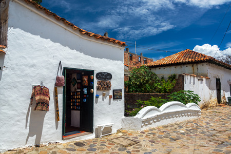colonial building: VILLA DE LEYVA, COLOMBIA - APRIL 29: Souvenir shop in a white colonial building in Villa de Leyva, Colombia on April 29, 2016 Editorial