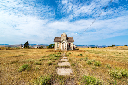 Wide angle view of an old abandoned house in Ovid, Idaho Stock Photo