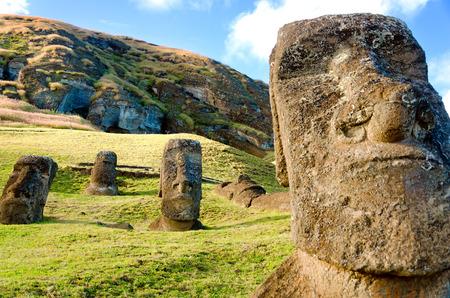 이스터 섬, 칠레의 유명한 모아이 헤드