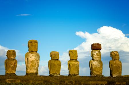 moai: View of six Moai on Easter Island in Chile Foto de archivo
