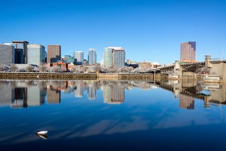 morrison: Beautiful reflection of Portland, Oregon and the Morrison Bridge