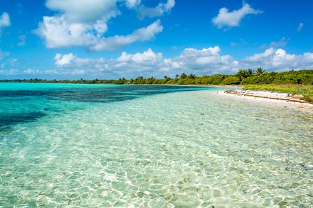 Beautiful Caribbean Sea landscape in the Sian Kaan Biosphere Reserve near Tulum, Mexico Imagens