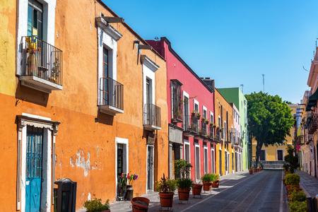 푸에블라, 멕시코의 역사적인 센터에서 아름 다운 화려한 식민지 거리