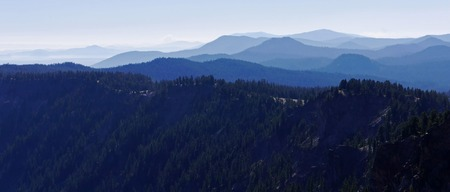 Looking south from the outer rim of Crater Lake, Oregon Stock Photo