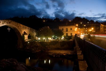 sella: Medieval bridge in Cangas de Onis on the river Sella