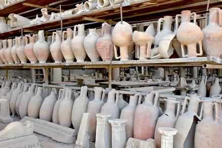 roma antigua: Cerámica antigua Roma Foto de archivo