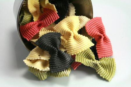 starchy food: Preparation of pasta colored