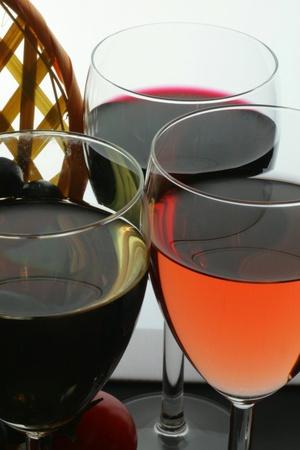 tastevin: Tasting of glasses of wine