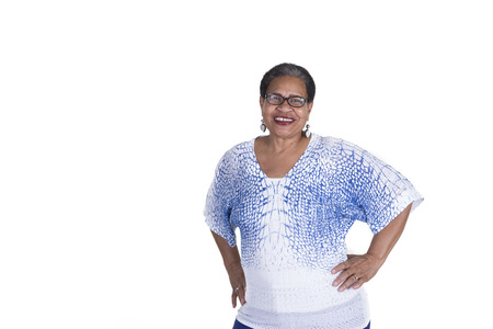 Ltere Frau auf weißem Standard-Bild - 31643009